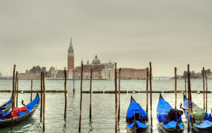 In Venice a traditional regatta that started as a joke in the late 1970s has been incorporated in the celebrations of Epiphany Day.